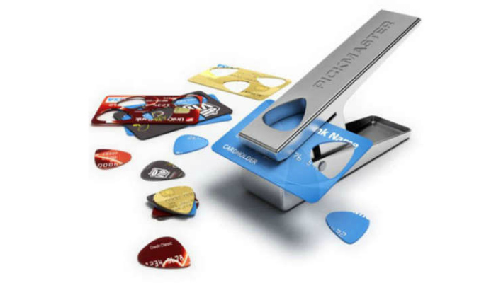 Loyalty card guitar pick cutter